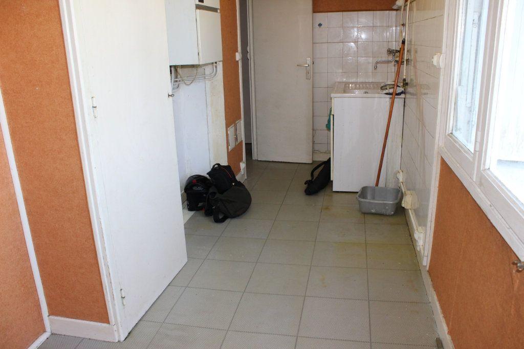 Maison à louer 3 61.2m2 à Saint-Fons vignette-6