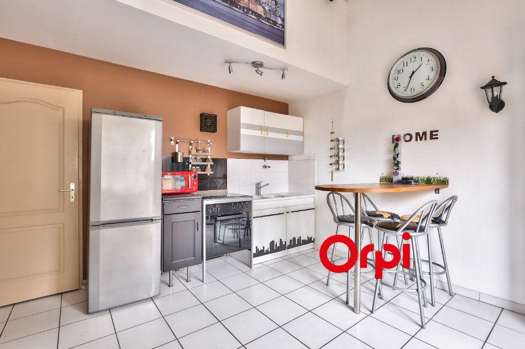 Appartement à vendre 2 33.92m2 à Vénissieux vignette-2