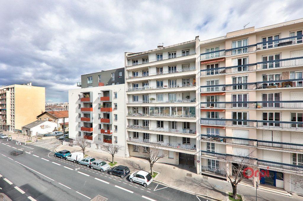 Appartement à vendre 4 68m2 à Lyon 8 vignette-8
