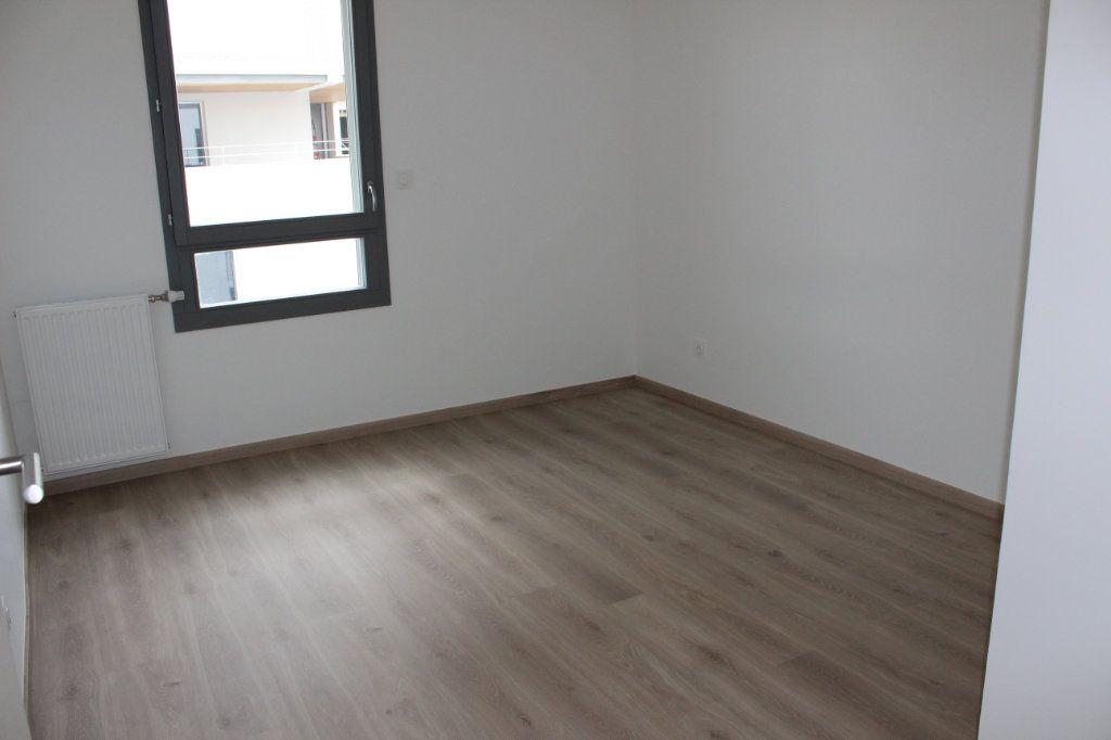 Appartement à vendre 3 61.65m2 à Lyon 8 vignette-10
