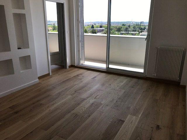 Appartement à louer 4 69.54m2 à Vénissieux vignette-6