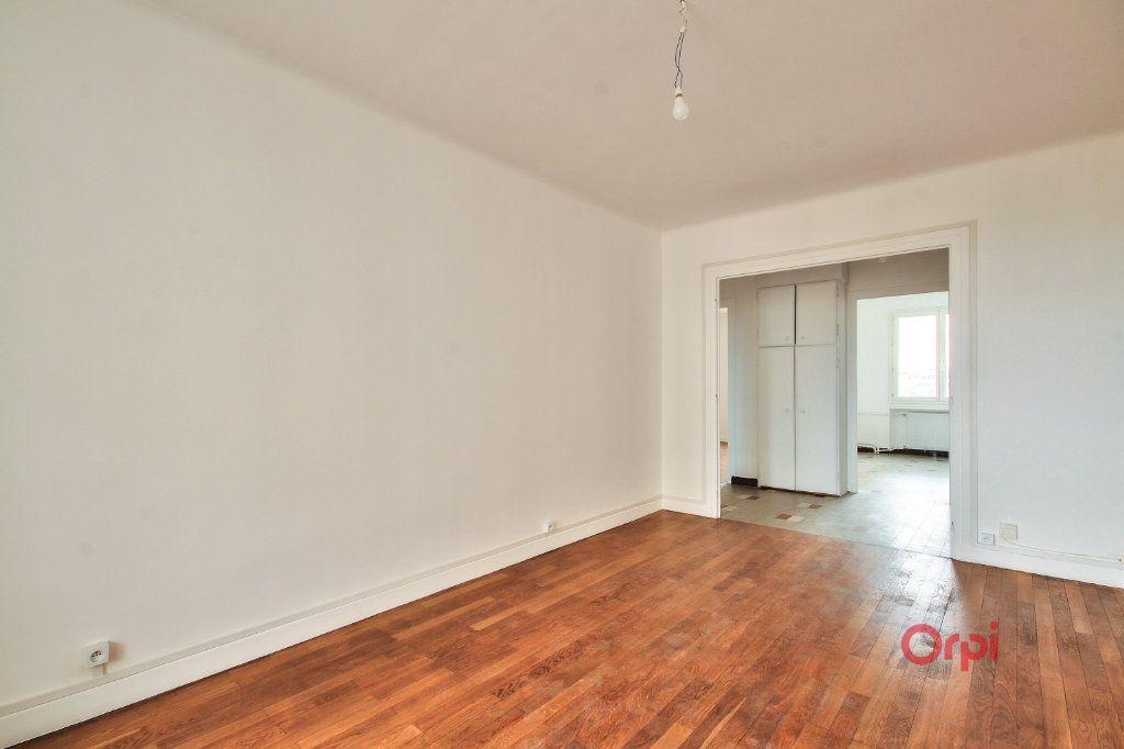 Appartement à vendre 3 61m2 à Lyon 8 vignette-4