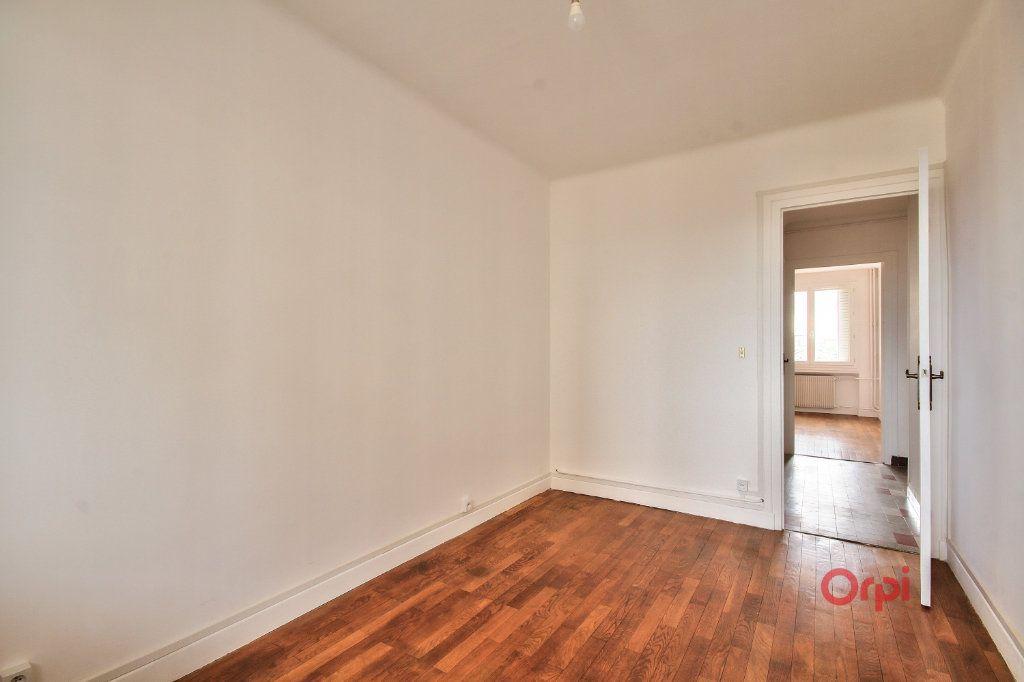 Appartement à vendre 3 61m2 à Lyon 8 vignette-6