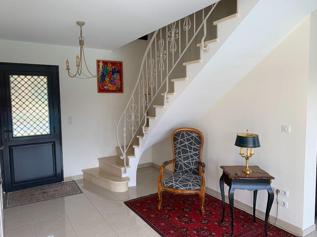 Maison à vendre 5 240m2 à Grézac vignette-2