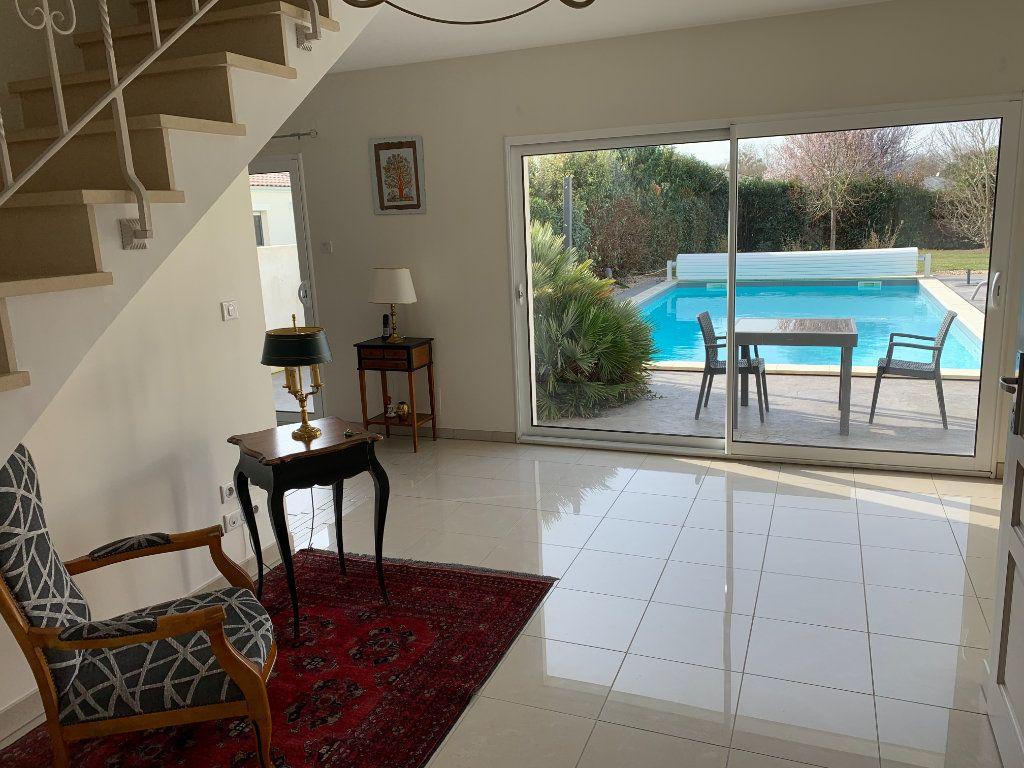 Maison à vendre 5 240m2 à Grézac vignette-3