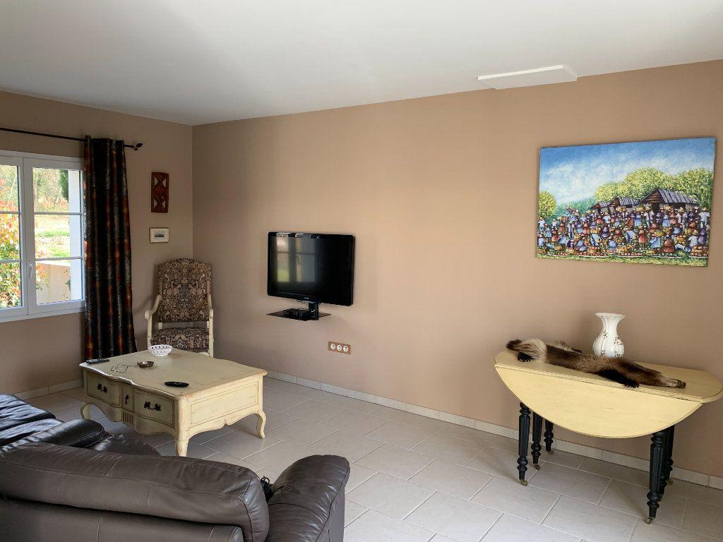 Maison à vendre 5 240m2 à Grézac vignette-6