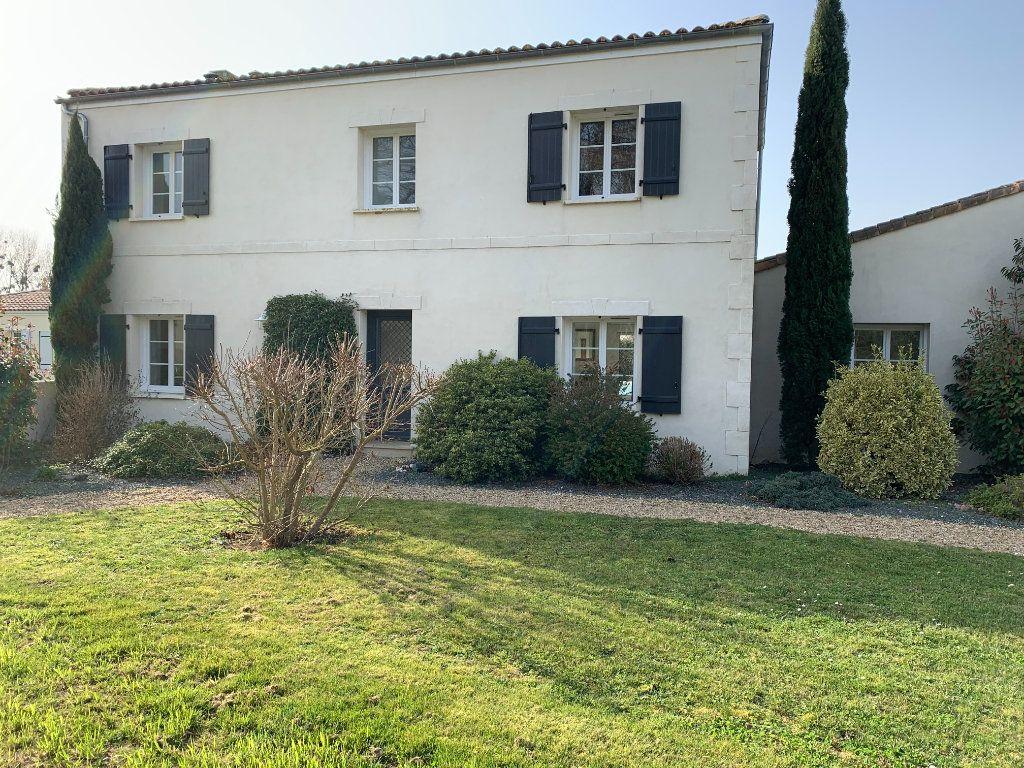 Maison à vendre 5 240m2 à Grézac vignette-15
