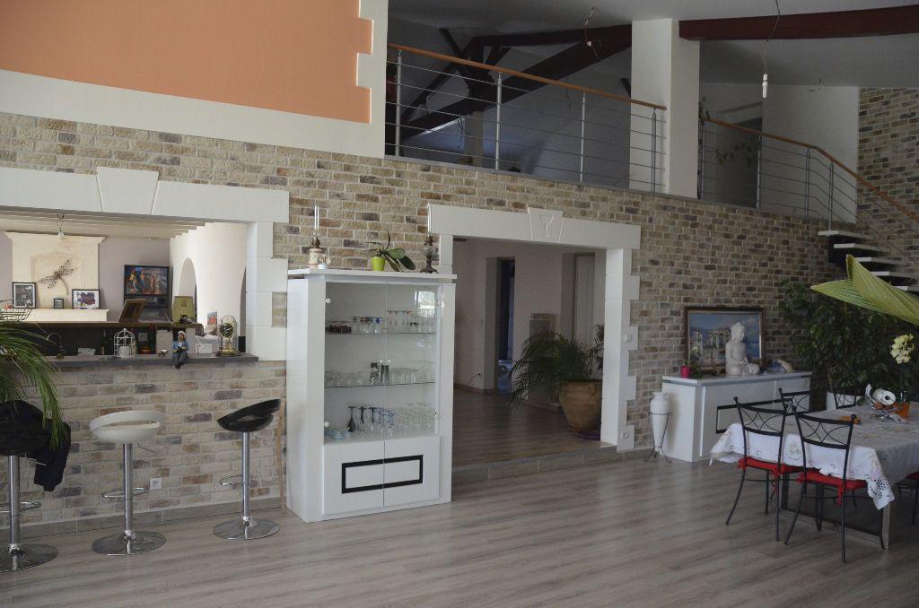Maison à vendre 6 530m2 à Brie-sous-Mortagne vignette-2