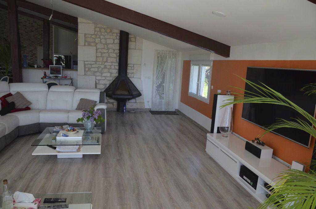 Maison à vendre 6 530m2 à Brie-sous-Mortagne vignette-4