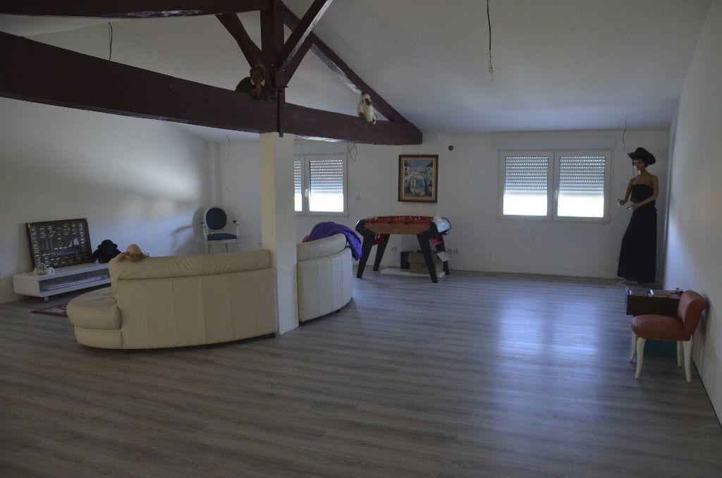 Maison à vendre 6 530m2 à Brie-sous-Mortagne vignette-6
