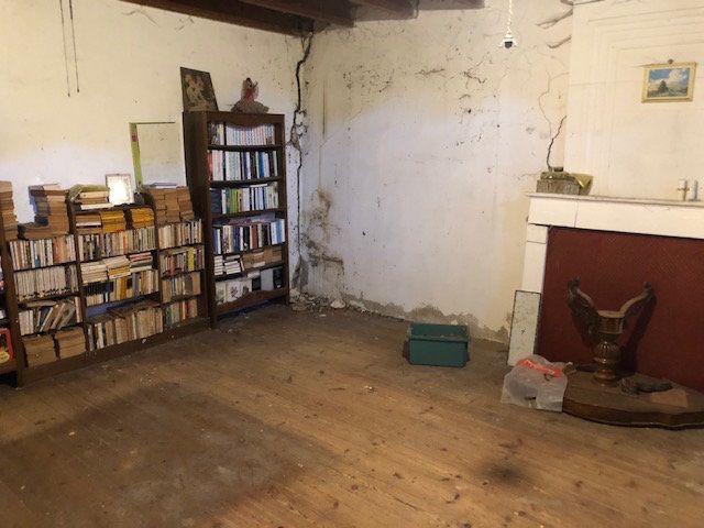 Maison à vendre 5 189m2 à Saint-André-de-Lidon vignette-2