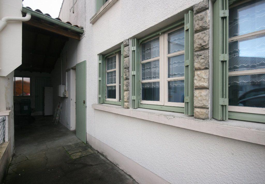 Maison à vendre 4 98.44m2 à Meschers-sur-Gironde vignette-6