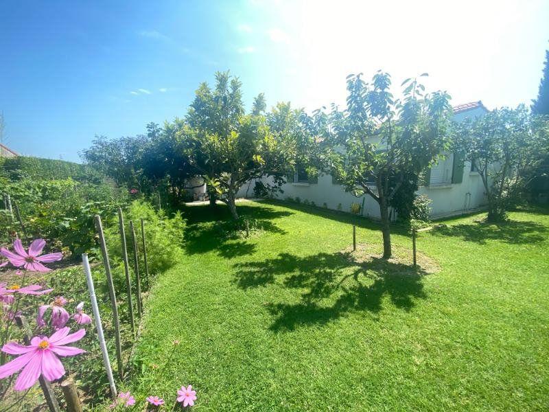 Maison à vendre 5 125m2 à Meschers-sur-Gironde vignette-2