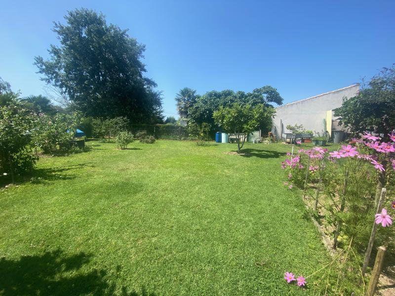 Maison à vendre 5 125m2 à Meschers-sur-Gironde vignette-12