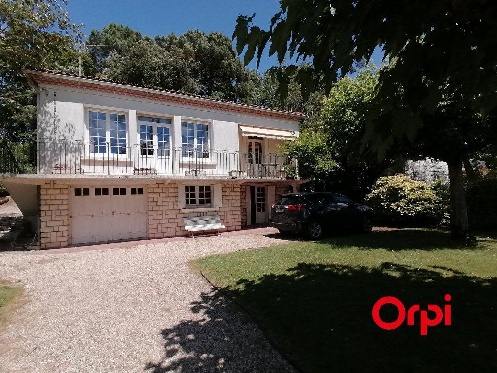 Maison à vendre 6 106m2 à Saint-Georges-de-Didonne vignette-1