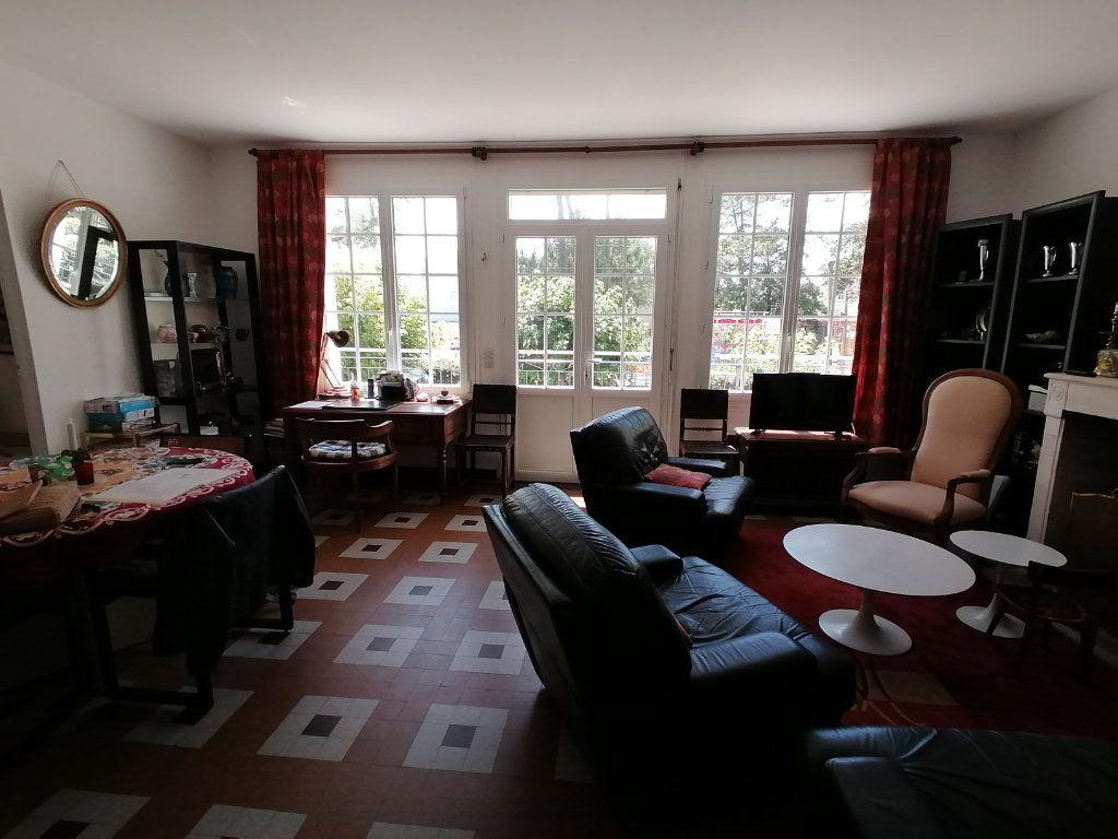 Maison à vendre 6 106m2 à Saint-Georges-de-Didonne vignette-3