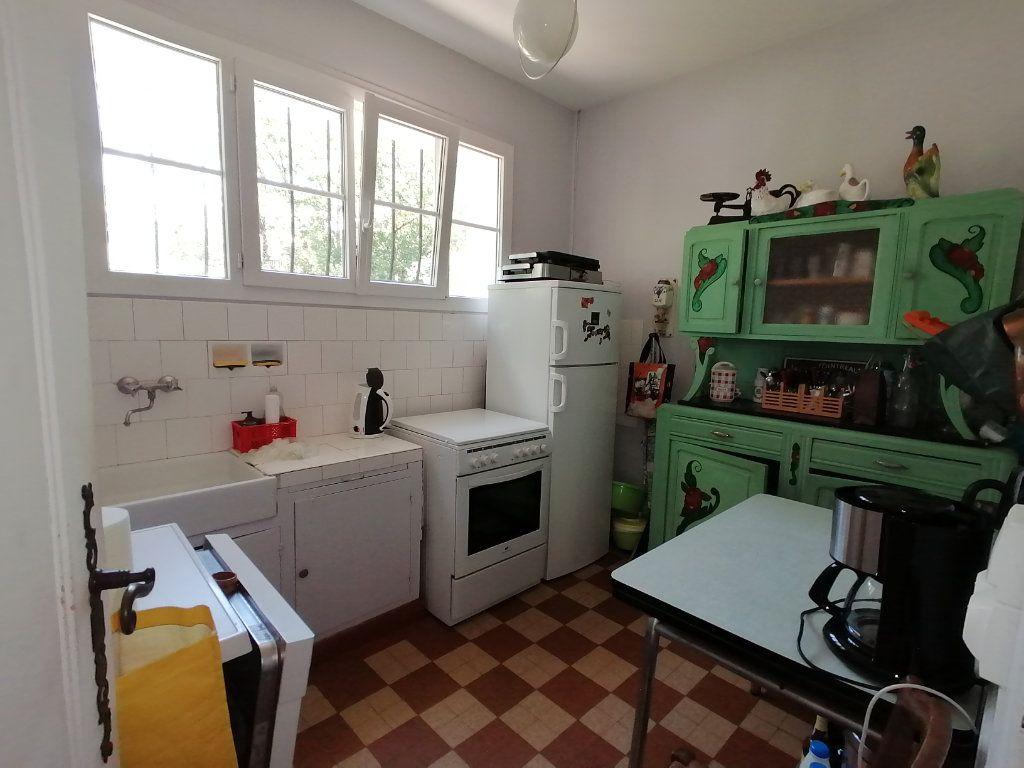 Maison à vendre 6 106m2 à Saint-Georges-de-Didonne vignette-4