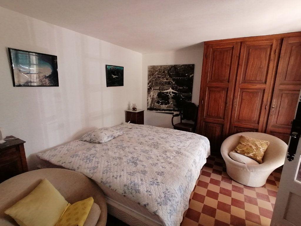 Maison à vendre 6 106m2 à Saint-Georges-de-Didonne vignette-6