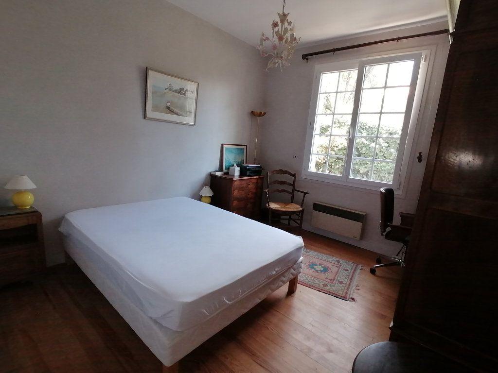 Maison à vendre 6 106m2 à Saint-Georges-de-Didonne vignette-8