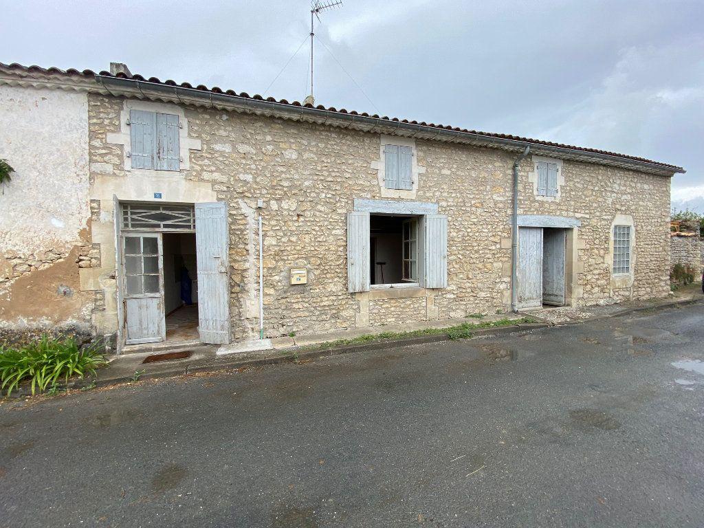 Maison à vendre 2 142m2 à Corme-Écluse vignette-1