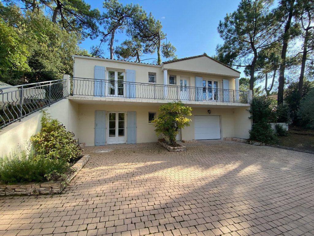 Maison à vendre 4 100m2 à Saint-Georges-de-Didonne vignette-1