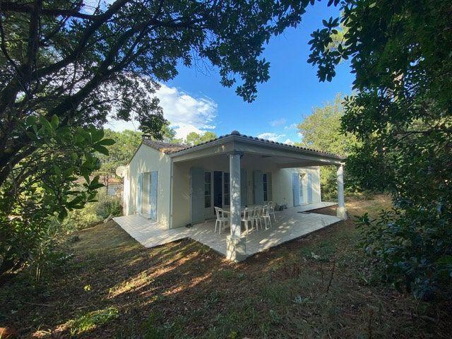 Maison à vendre 4 100m2 à Saint-Georges-de-Didonne vignette-2