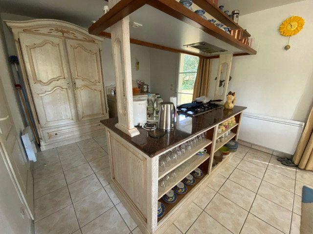 Maison à vendre 4 100m2 à Saint-Georges-de-Didonne vignette-6