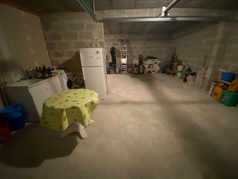 Maison à vendre 4 100m2 à Saint-Georges-de-Didonne vignette-14