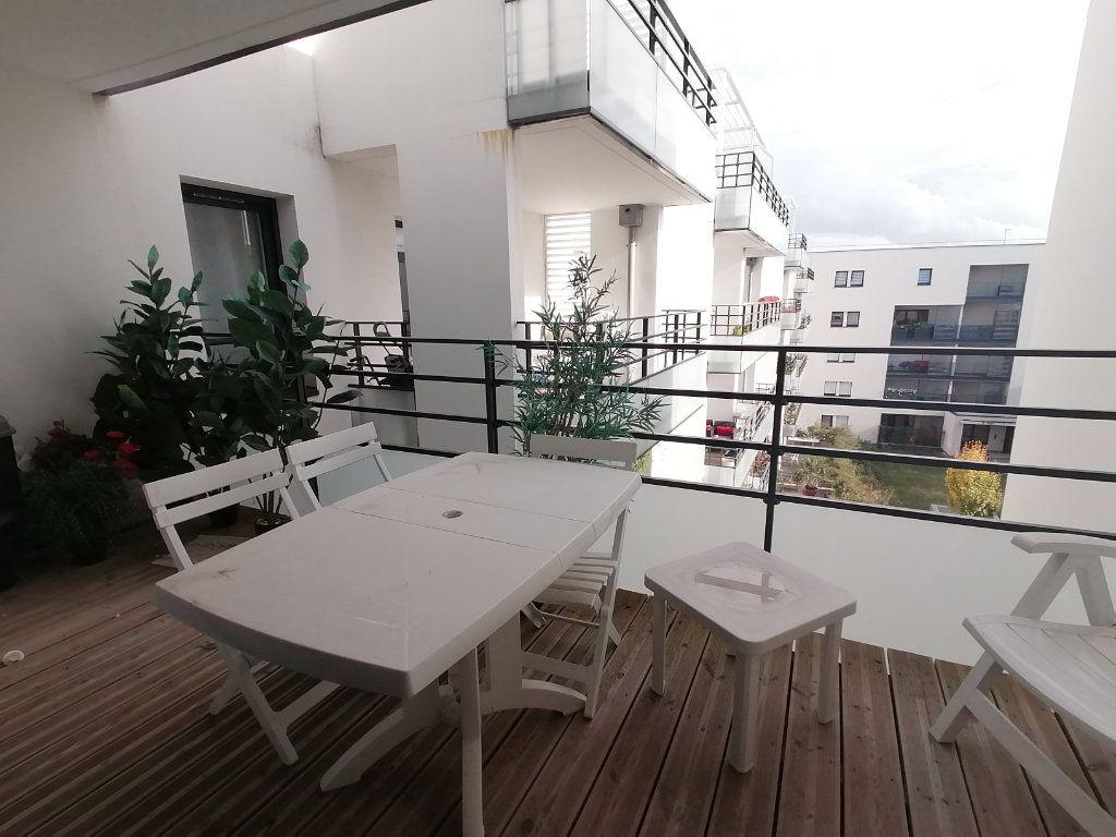 Appartement à vendre 3 63.44m2 à Royan vignette-3