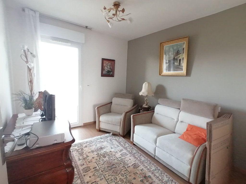 Appartement à vendre 3 63.44m2 à Royan vignette-6