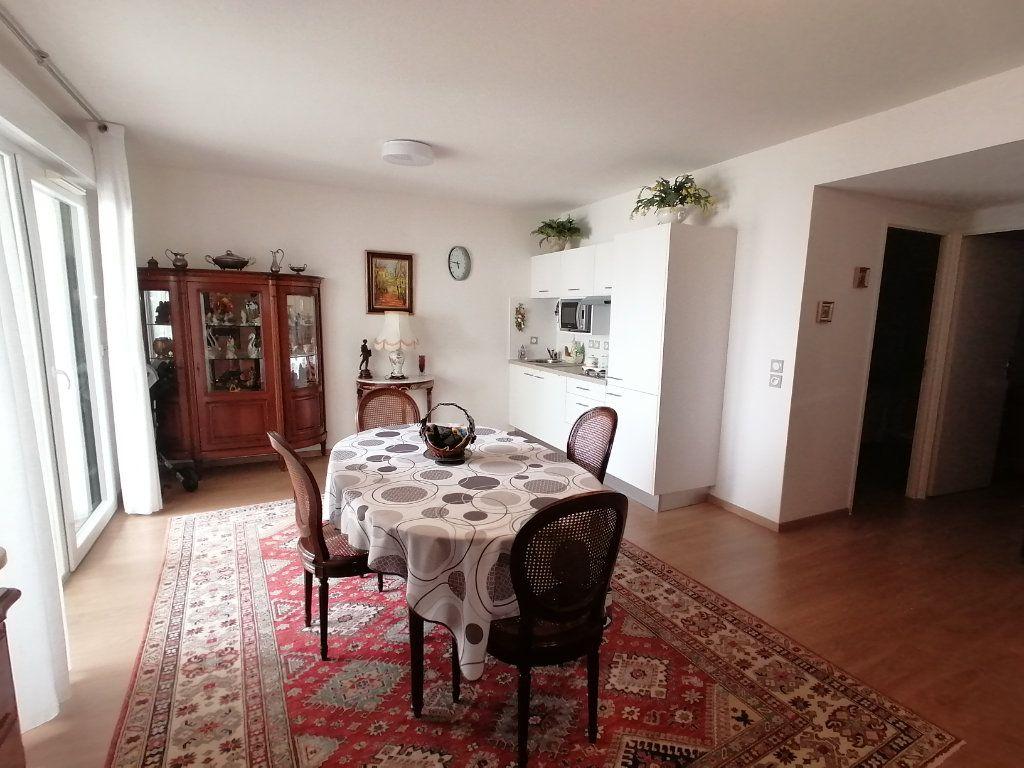 Appartement à vendre 3 63.44m2 à Royan vignette-9