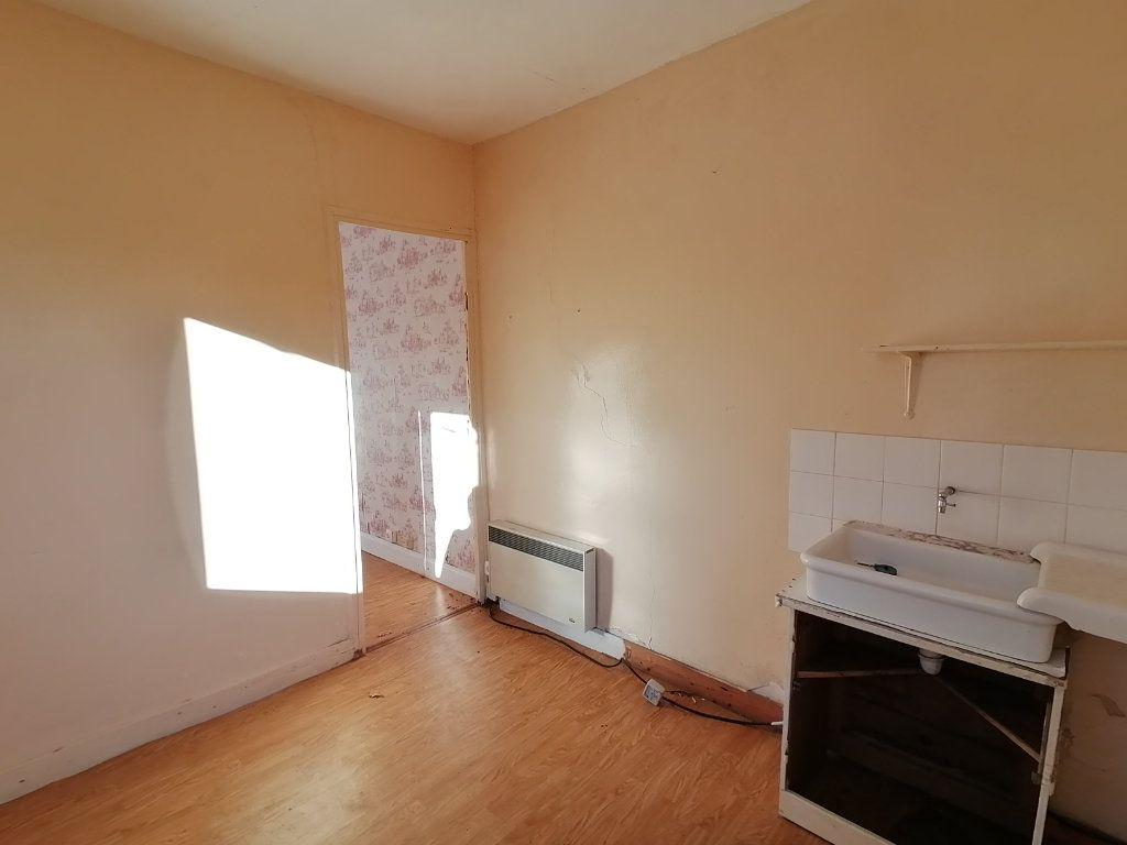 Maison à vendre 2 25m2 à Saint-Georges-de-Didonne vignette-2