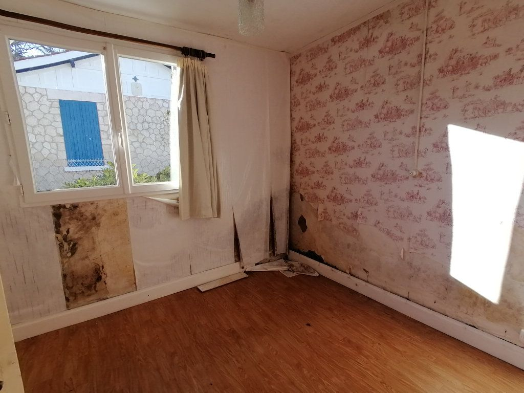 Maison à vendre 2 25m2 à Saint-Georges-de-Didonne vignette-8