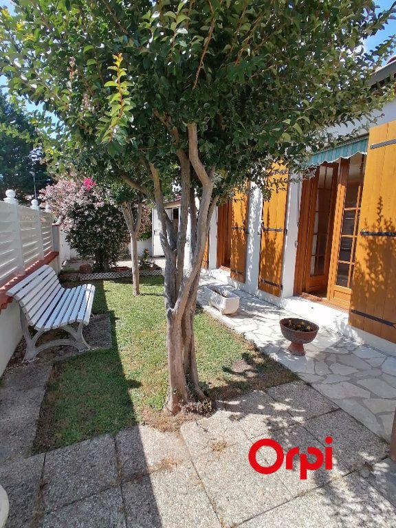 Maison à vendre 4 95m2 à Royan vignette-1
