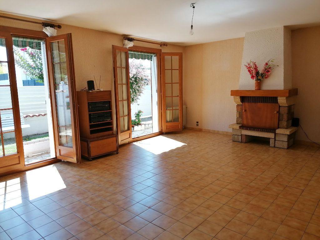 Maison à vendre 4 95m2 à Royan vignette-2