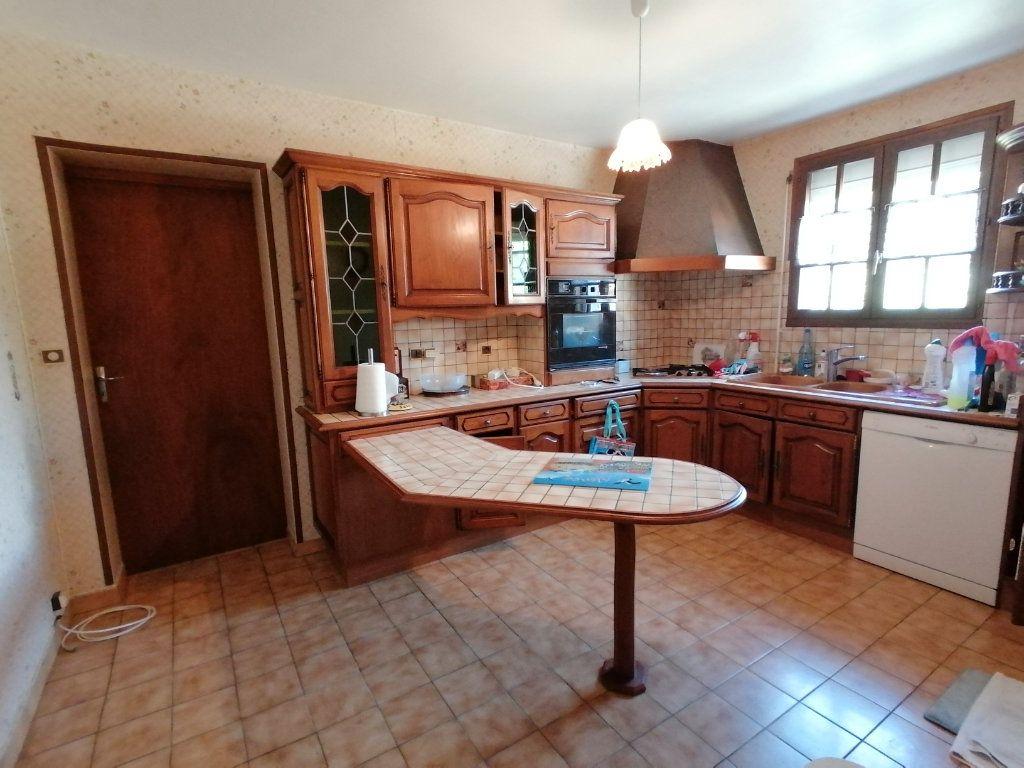 Maison à vendre 4 95m2 à Royan vignette-3