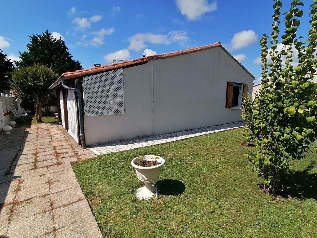Maison à vendre 4 95m2 à Royan vignette-9