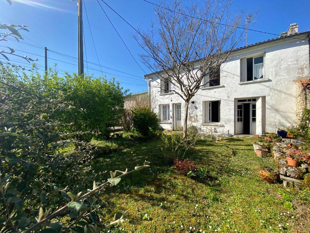 Maison à vendre 5 137.5m2 à Grézac vignette-1