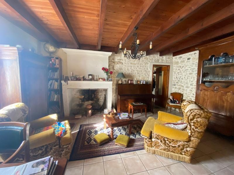 Maison à vendre 5 137.5m2 à Grézac vignette-4