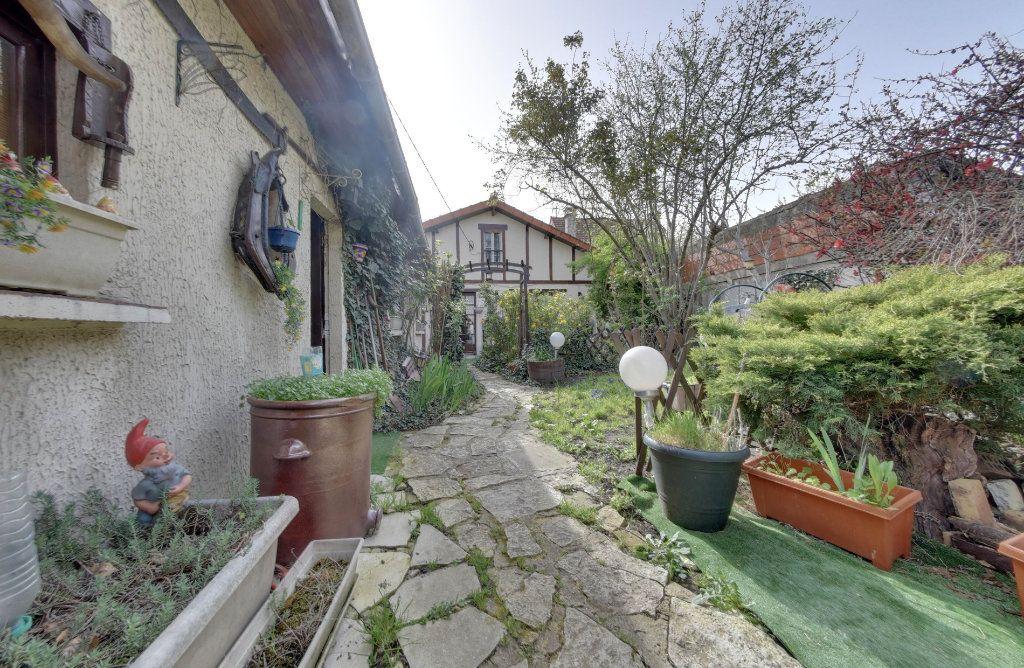 Maison à vendre 5 100m2 à Le Blanc-Mesnil vignette-1