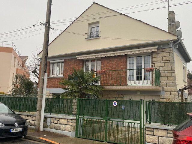 Maison à vendre 6 125m2 à Le Blanc-Mesnil vignette-1