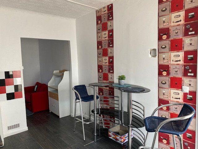 Appartement à vendre 3 53.48m2 à Le Blanc-Mesnil vignette-1