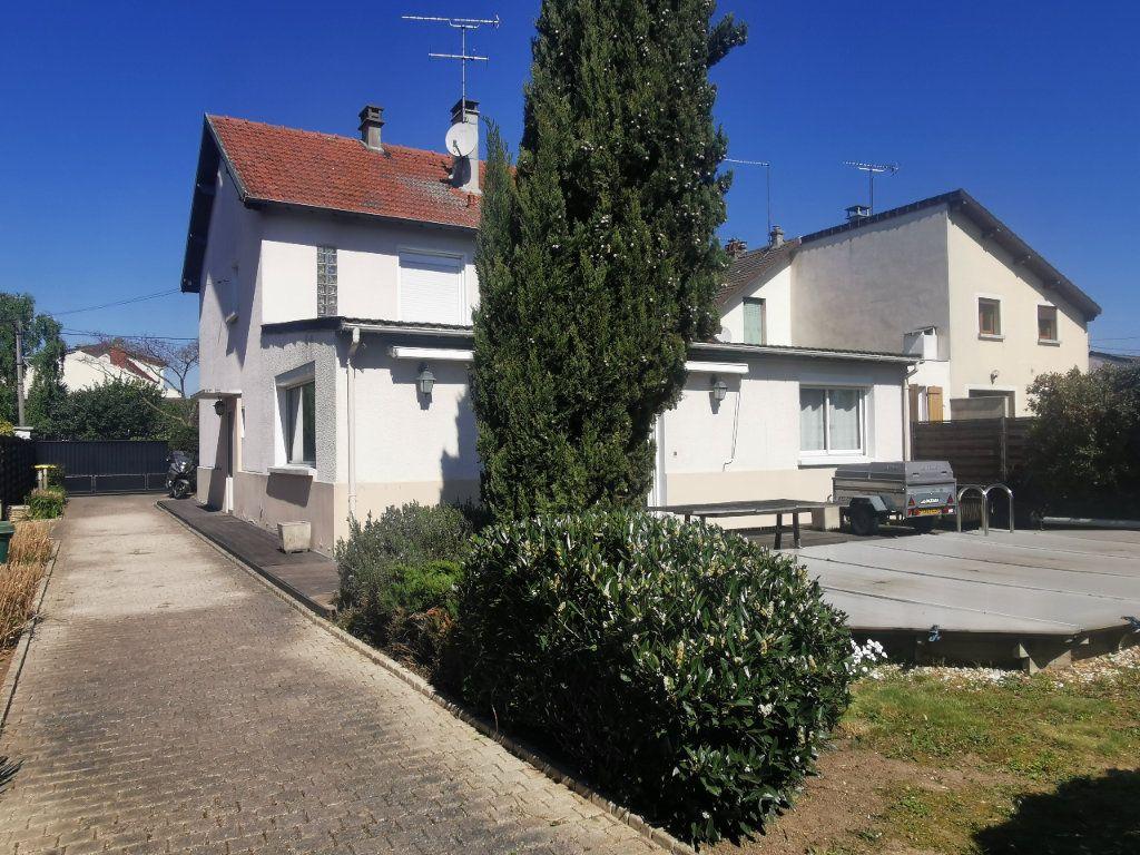Maison à vendre 8 171.5m2 à Le Blanc-Mesnil vignette-1