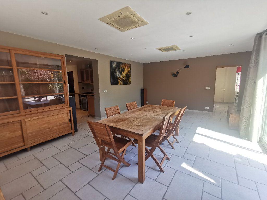 Maison à vendre 8 171.5m2 à Le Blanc-Mesnil vignette-3