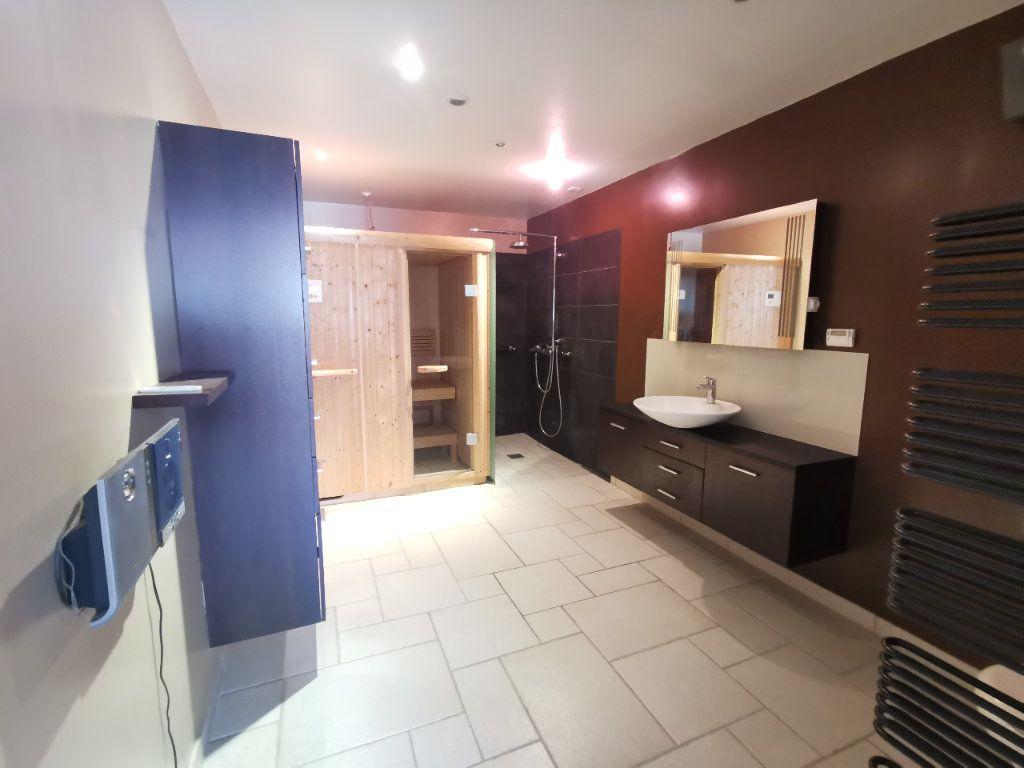 Maison à vendre 8 171.5m2 à Le Blanc-Mesnil vignette-9