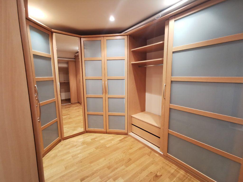 Maison à vendre 8 171.5m2 à Le Blanc-Mesnil vignette-17