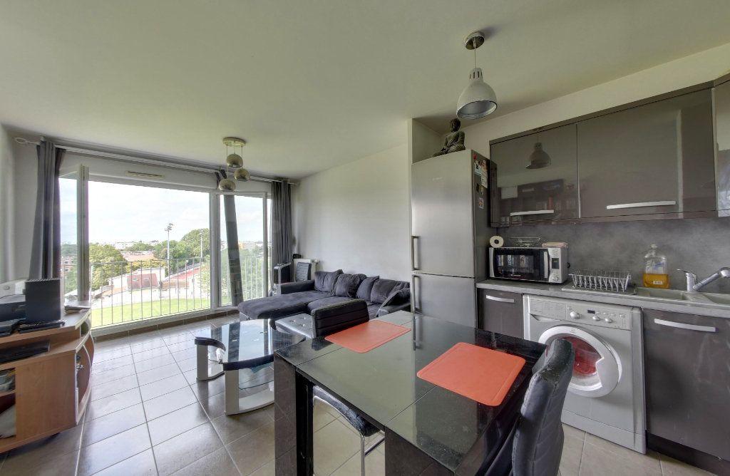 Appartement à vendre 2 40.77m2 à Bobigny vignette-1