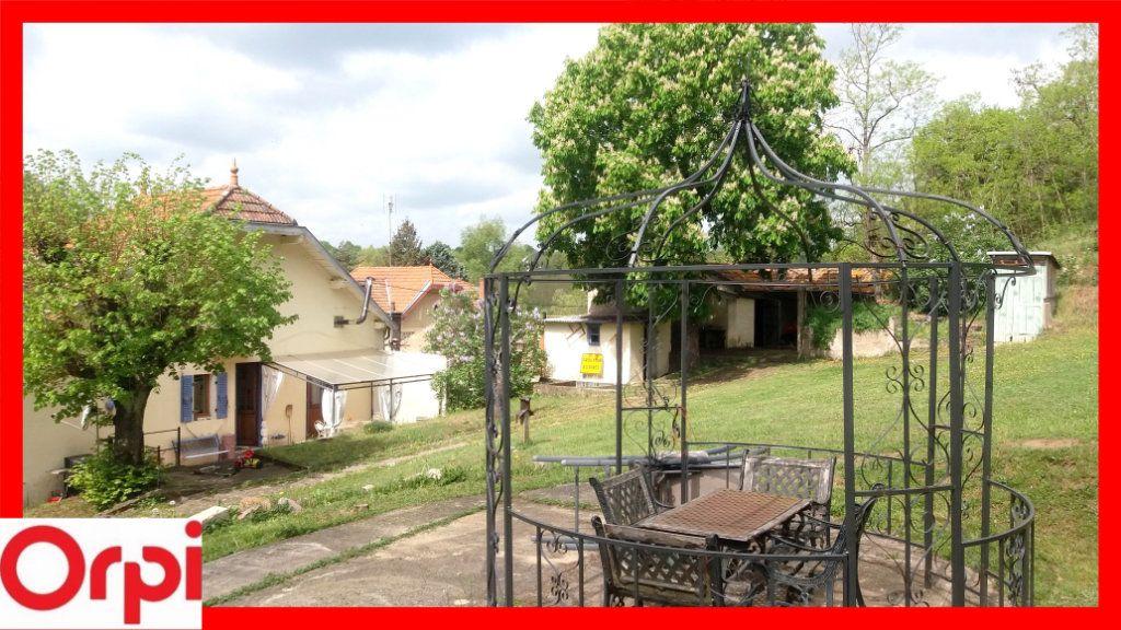 Maison à vendre 8 205m2 à Auzat-la-Combelle vignette-2