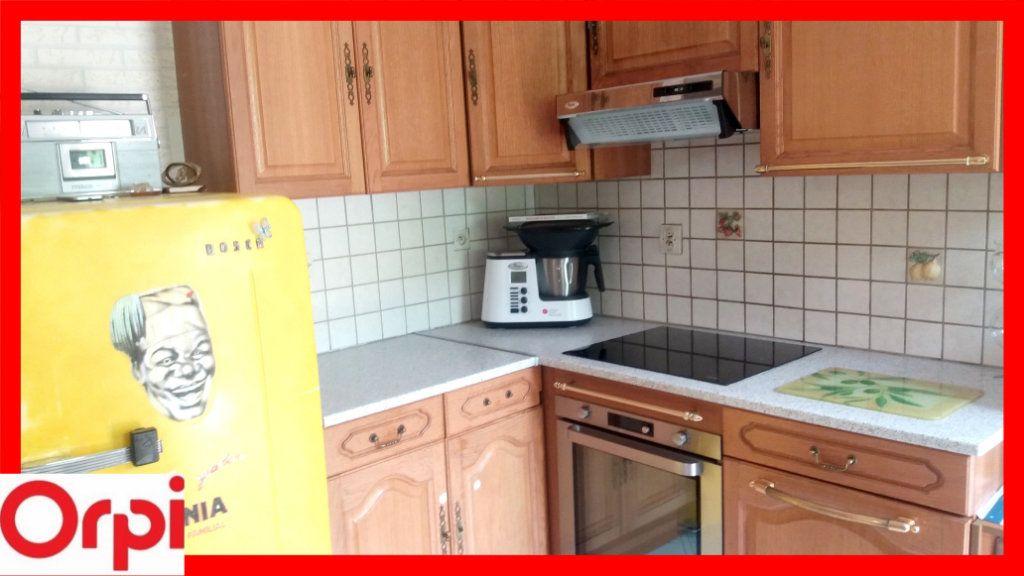 Maison à vendre 8 205m2 à Auzat-la-Combelle vignette-4