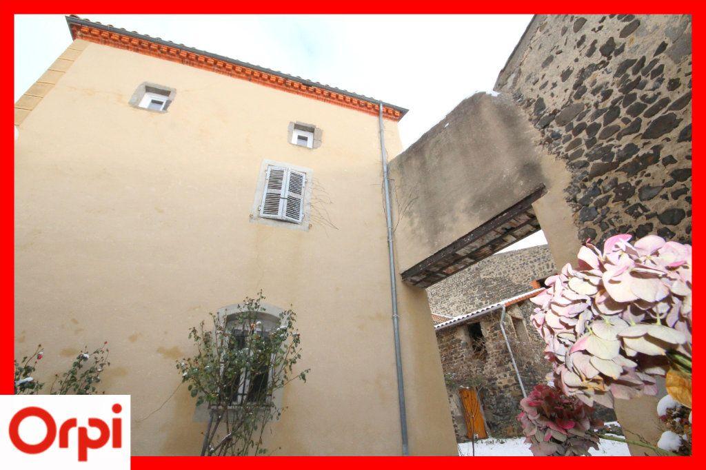 Maison à vendre 4 104m2 à Solignat vignette-2